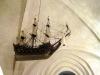 I vapenhuset hänger ett Kyrkskepp (votivskepp) från 1664.