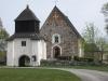 Skederids kyrka var från början var gårdskyrka till Finsta herrgård