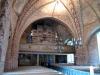 Altarringen är gammal men förminskades 1953 för att bereda plats i koret Augusti 2010