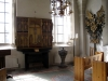 I sakristian har ett antal medeltida skulpturer tillvaratagits och placerats i ett altarskåp Aug 09