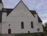 I tornrummet hänger porträtt av tidigare präster