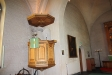 Kyrkans orgel har två spelbord ett på läktaren och ett nedanför koret.