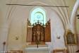 Altarskåpet är från mitten av 1400-talet.