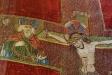 Detalj av mässhakens broderade kors: till vänster S:t Olof
