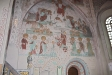 Delar av kyrkans vackra målningar.