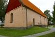 Giresta kyrka från kyrkogården
