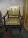 Två vackra stolar för fint besök finns