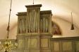 Tyvärr ser man inte den halvmåneformade målningen bakom orgeln