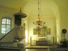Predikstol från 1858 och dopfuntens fot är från 1100-talet