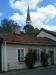 Man ser kyrkan på långt håll