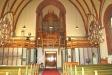 Från altaret mot entrén och orgelläktaren.