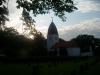 Östra Eds kyrka i skumningen