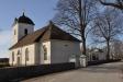 Tåby kyrka med gravkapellet som tidigare var Mems gravkor.