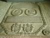 En av flera gravhällar i koret