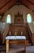 Praktiskt med ett altare nedanför trappan....