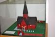 I kapellet finns modell av kyrkan i Fiskebäck.