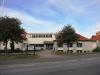 Svenska kyrkans församlingshem i Habo är sammanbyggt med S:t Johannes kyrka.