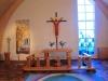 Altaret i norra delen av kyrksalen.