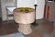 Dopfunten är från 1100-talet av Mäster ´Bestiarus´.