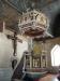 Övre delen av altaruppsatsen är medeltida