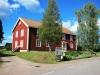 Församlingsgården mitt emot kyrkan i Bringetofta.