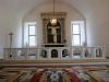 Altaret har ett stort utrymme till förfogande.