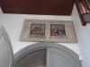 Rester av målningar från gamla kyrkan i vapenhuset.