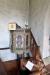 Predikstolen är från 1651 med bild på de fyra evangelisterna.