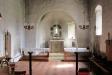Altaret inbyggt i ett valvformat eget rum.