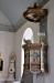 Den gamla predikstolen från 1600-talet sattes upp 1913