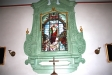 Altarfönstret är en glasmålning