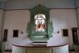 Glasmålningen sattes upp ovanför altaret  1909-10