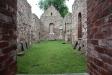 Kyrkorummet i ruinen.