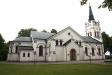 Kyrkan från öster.