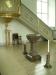 I rummet till höger om koret en altaruppsats från 1628