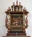 i samma stil som altaret och altarringen