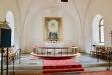 Altarringen och altaret.