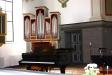 En av kyrkans två orglar.