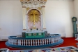 Altaret och altarringen juni 2016.