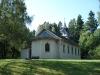 Kapellet med den fula tillbyggnaden.