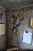 Även i sakristian finns målningar på väggen