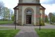 Ingången till kyrkan