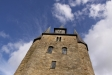 Det mäktiga tornet med de två trapphusen.
