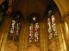 Glasmålningarna i koret är av Albert Eldh