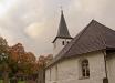 Höstskrud runt Upphärads kyrka. Bilden är tagen i oktober 2011