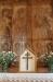 Ett fascinerande litet kors på altaret. Har det suttit på en stav eller liknande?