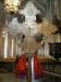 Höga valv och en magnifik altaruppsats