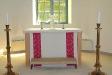 När altaret flyttades ut från absiden fick man ett ljust kyrkorum.