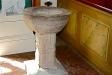Från den gamla kyrkan har bevarats dopfunten