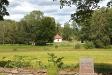 Norr om kyrkan ligger Dala gamla begravningsplats.